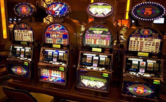 Игровые автоматы на деньги на сайте казино Вулкан