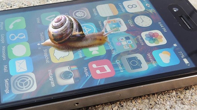 iPhone теряет производительность, а компания Apple - контроль над ситуацией