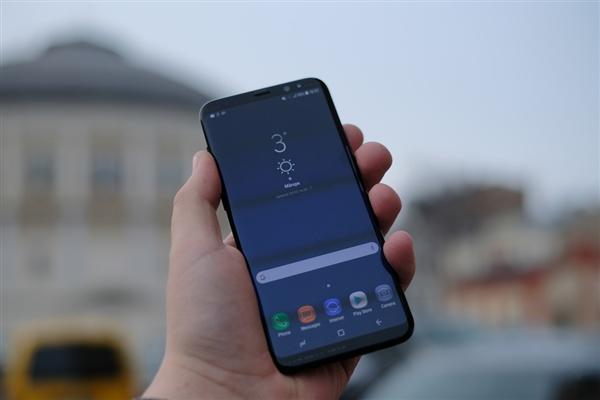 Розничная коробка рассказала о характеристиках Samsung Galaxy S9