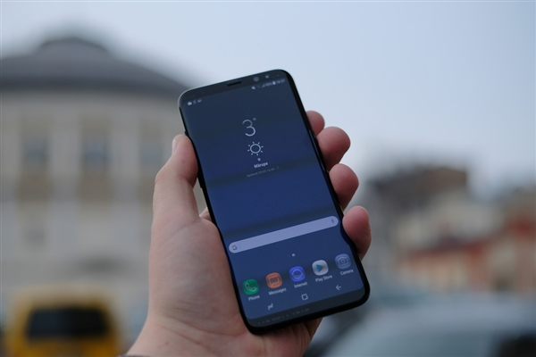 Китайский клон Samsung Galaxy S9+ уже в продаже. Недорого