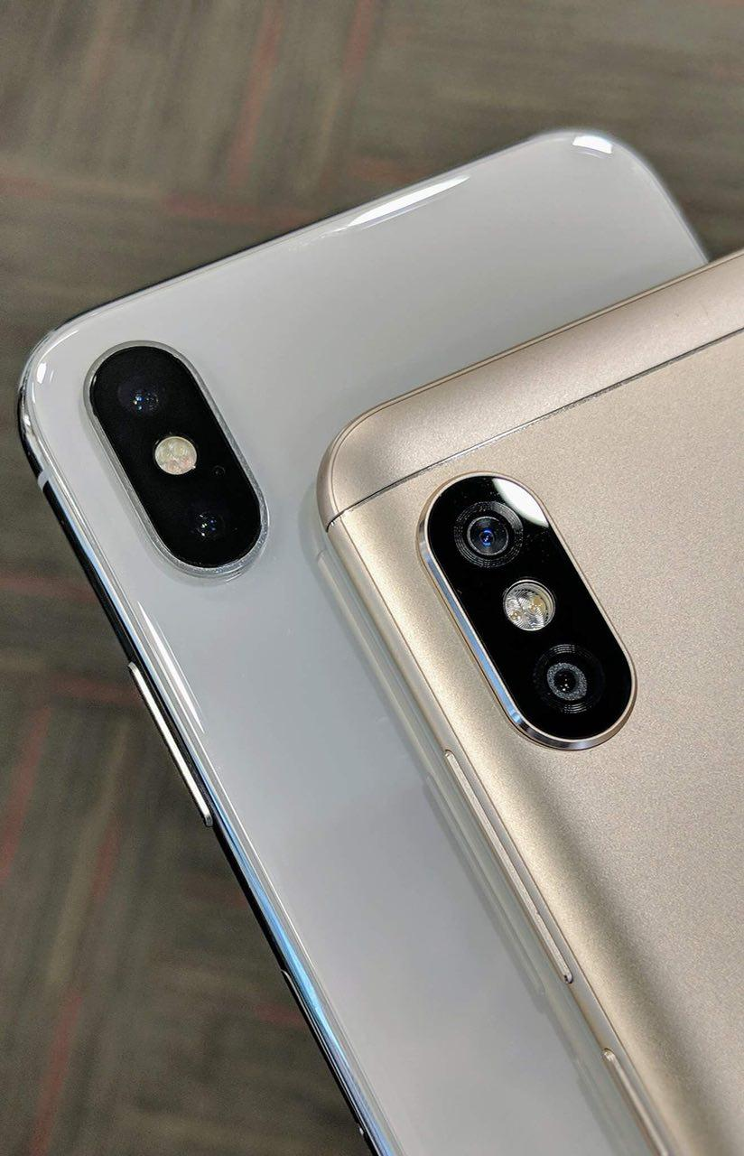 Xiaomi Redmi Note 5 Pro на живом фото можно легко спутать c iPhone X