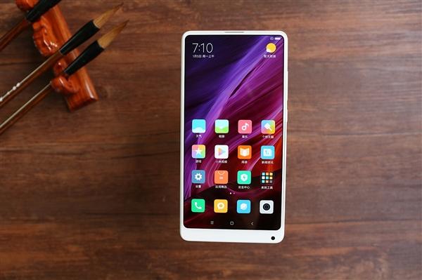 Xiaomi готовит почву для выхода Mi Mix 2s