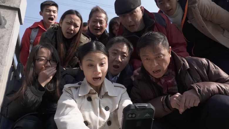 Безумная реклама китайского смартфона