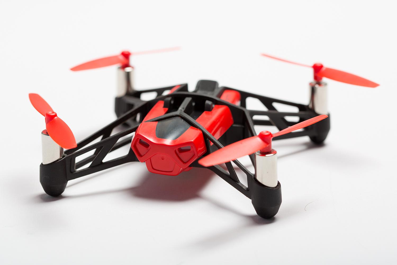 Квадракоптер Parrot Rolling Spider – маленький, и шустрый