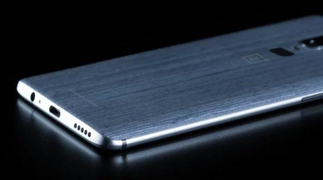 Изображение OnePlus 6 от одного из надежных поставщиков утечек