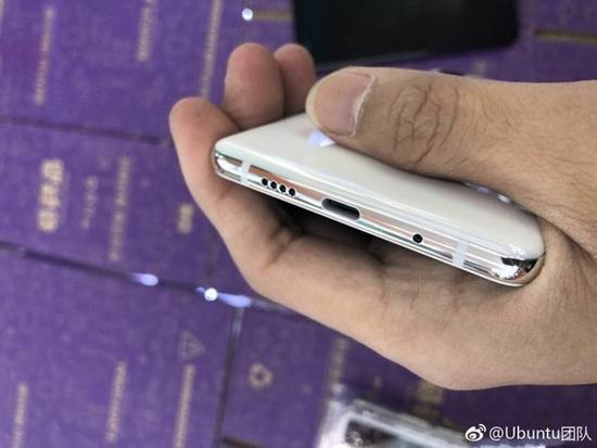 Xiaomi Mi7 на фото: металл и керамика задают тон