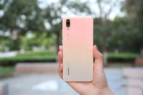 Huawei P20 Pro бьет рекорды продаж