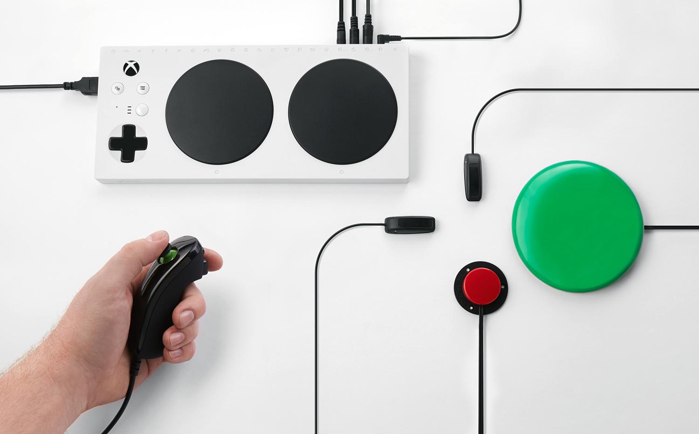 Xbox Adaptive Controller - новый игровой контроллер от Microsoft