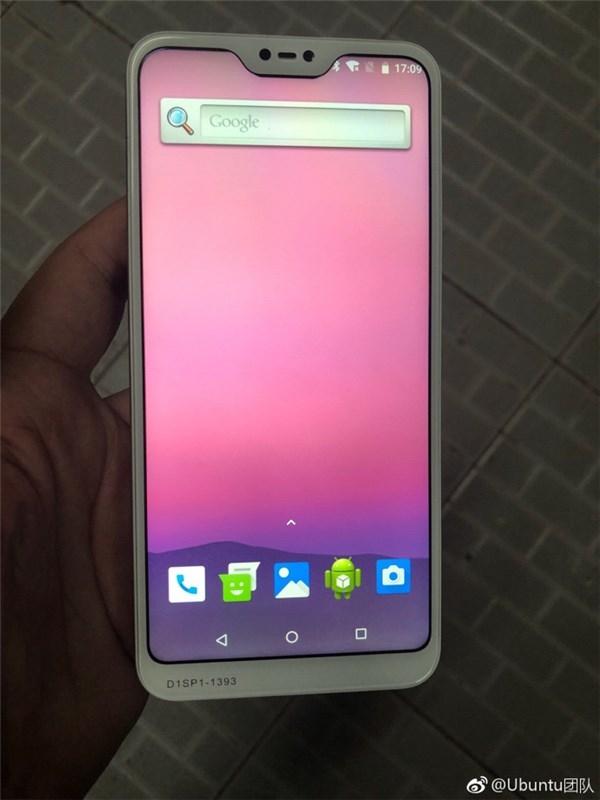 На фото могли показать Xiaomi Redmi 6. Дизайн спорный