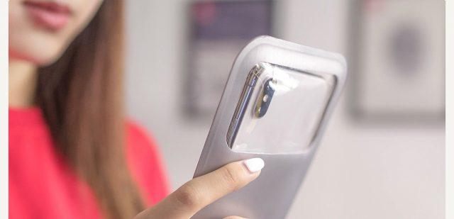 Чехол от Xiaomi: со смартфоном на дно морское