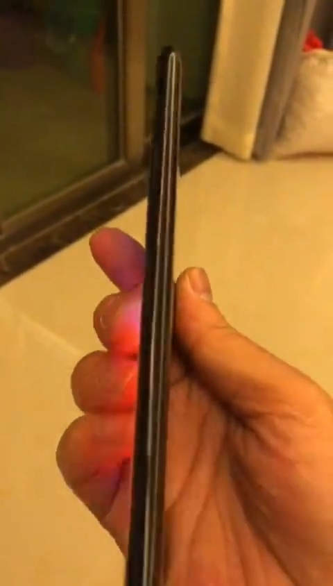 Неожиданная утечка: смартфон Meizu с двумя дисплеями