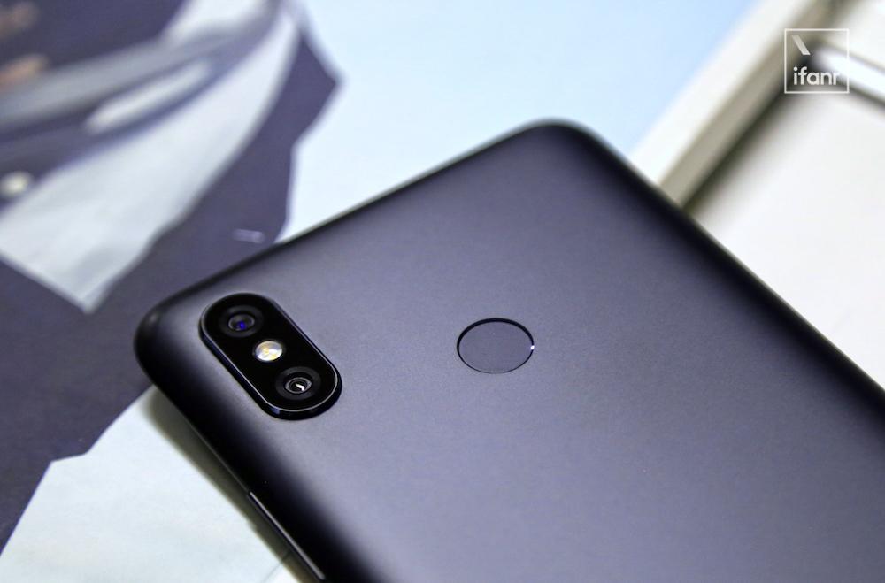 Анонс Xiaomi Mi Max 3: еще больше экрана, камер и миллиампер в батарейке