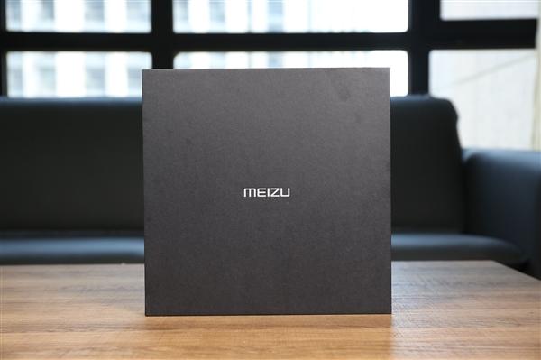 Как Meizu троллит смартфоны с «монобровью» и привлекает внимание к анонсу Meizu 16