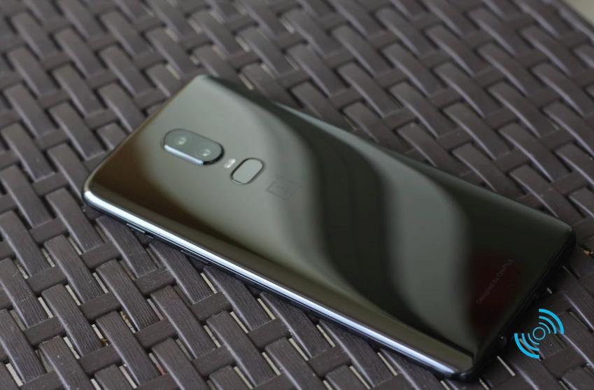 OnePlus работает над беспроводной зарядкой для своих флагманов