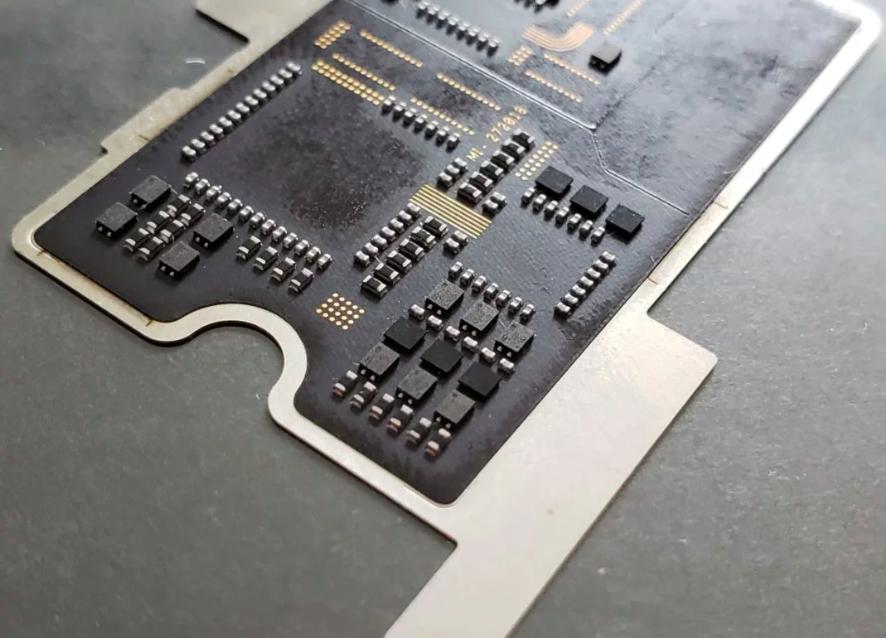 Что скрывается за прозрачной тыльной крышкой Xiaomi Mi 8 Explorer Edition