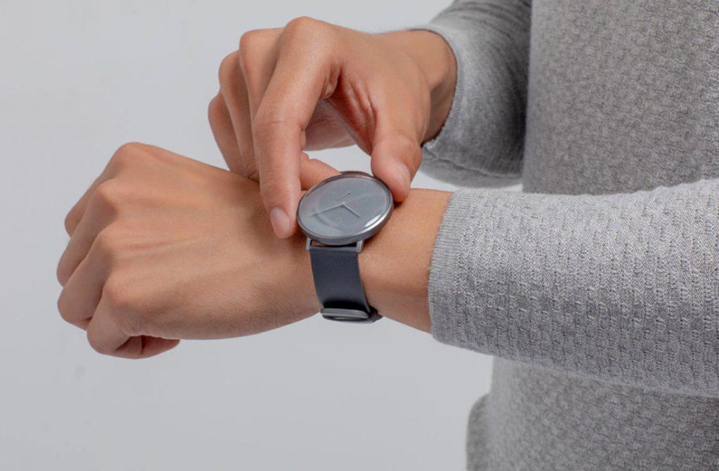 Xiaomi представила более изящную альтернативу Lenovo Watch