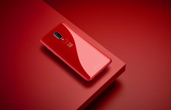 Представлен OnePlus 6 в ярко-красном корпусе