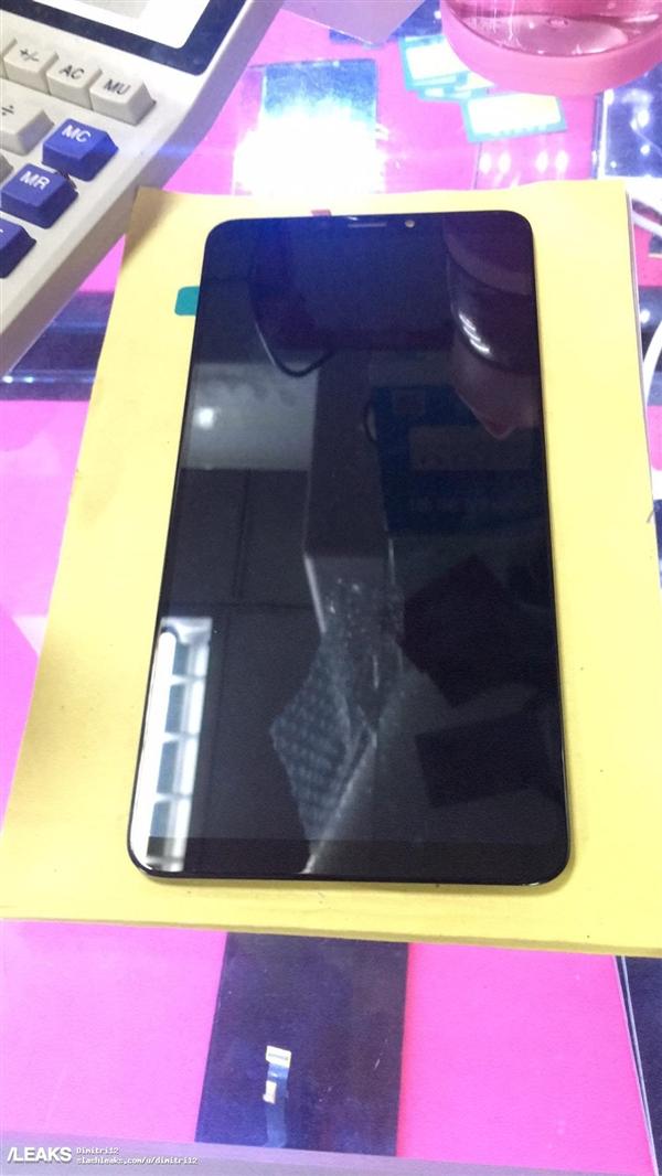 Xiaomi Mi Max 3: рекордно большой «китаец» на фото
