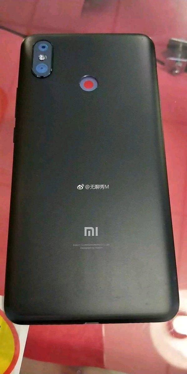 Фото тыльной панели Xiaomi Mi Max 3