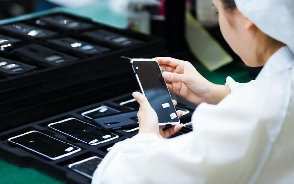 Meizu 16th уже в дефиците. Компания увеличивает сроки доставки смартфона