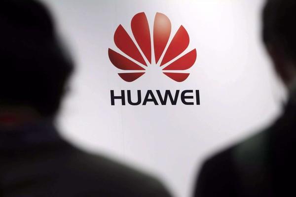 Huawei выигрывает у Apple борьбу за рынок смартфонов