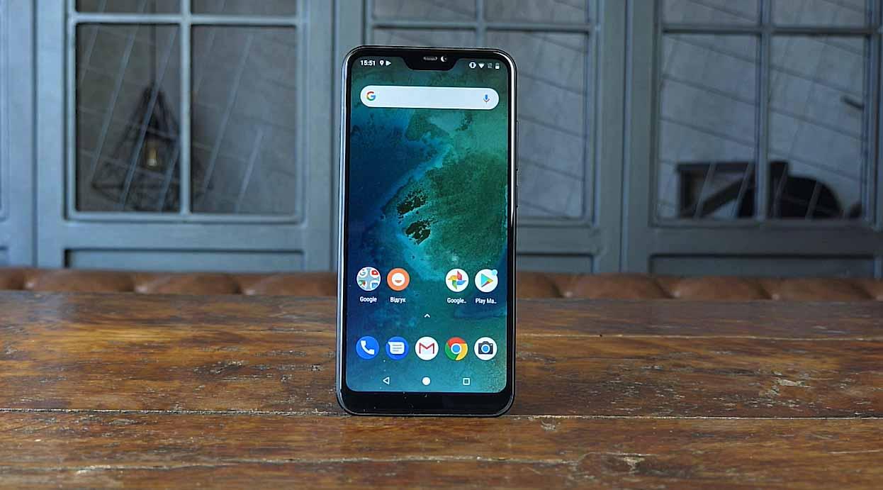 Видеообзор Xiaomi Mi A2 Lite: ставка на стоковый Android сыграла?