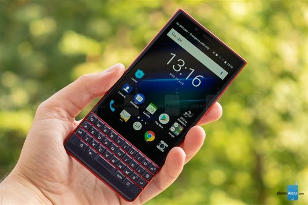 BlackBerry KEY2 LE: Android-смартфон с кнопочками и двойной камерой