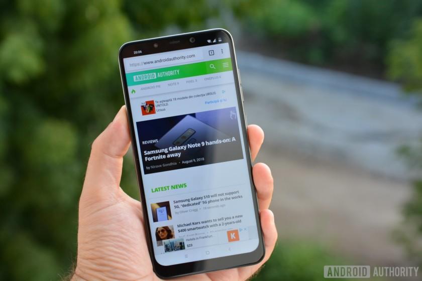 Xiaomi Pocophone F1: флагман распаковали раньше срока