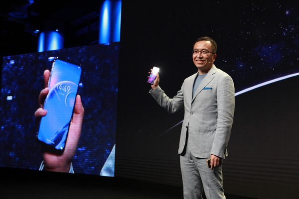 Honor Magic 2 станет рекордсменом по безрамочности и предложит AMOLED дисплей