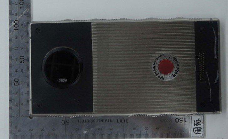 Титановый Red Hydrogen One показали на «живых» снимках