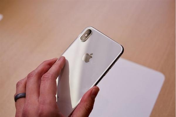 TENAA рассекретил емкость батареек iPhone XS, iPhone XS Max и iPhone XR