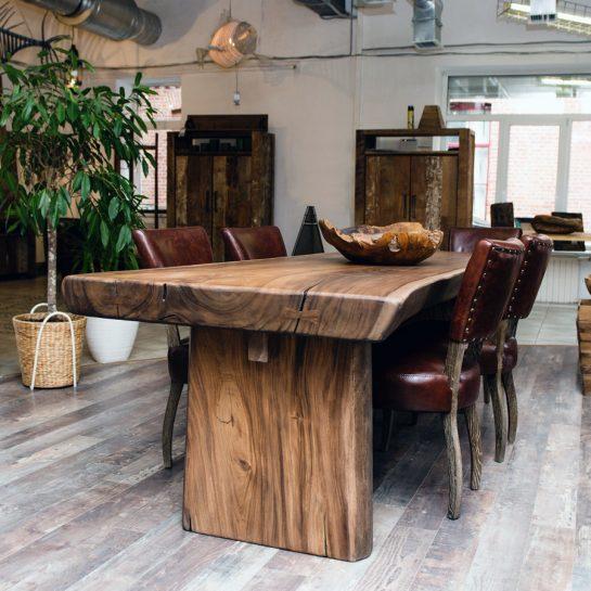 Производство качественных обеденных столов из деревянного массива
